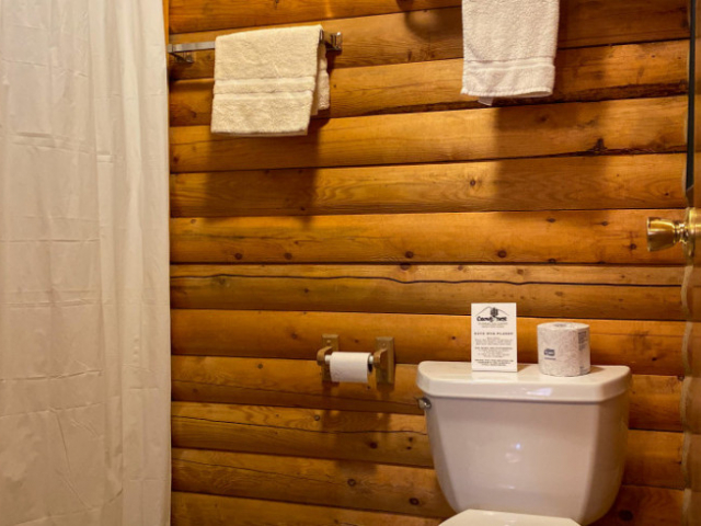 Caribou Cabins Two Double Beds