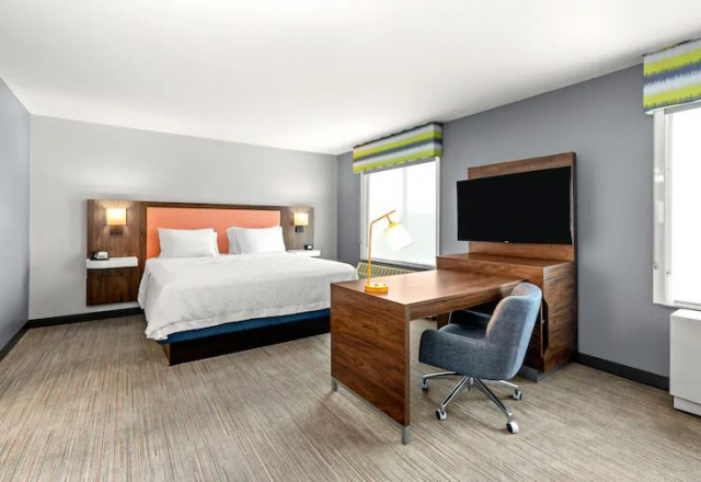 1 King Studio Suite with Sofa Bed