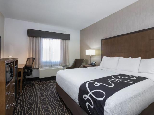 1 King or 2 Queens Standard Rooms