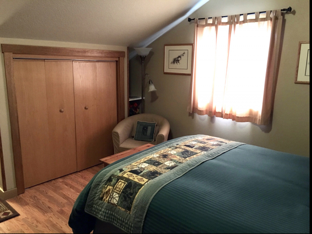 Mt Tiehacker Room with Shared Bathroom