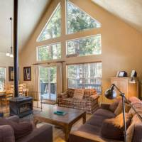 Wawona Chalet - Living Room and Dining Area