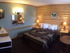 Motel Room 1 Queen (Room 115, Room 116)