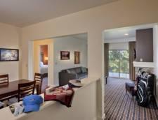 1 Bedroom Suite Golf View