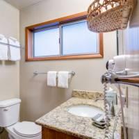 River Lodge - Master Bathroom