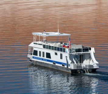 70' Houseboat at Lake Mohave
