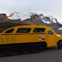 Snowmobile Retro Bus