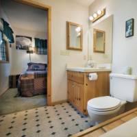 Wawona Cabin - Master Bathroom