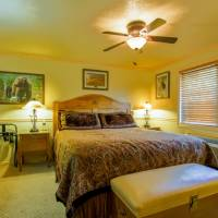 Deluxe One Bedroom Kitchen Suite