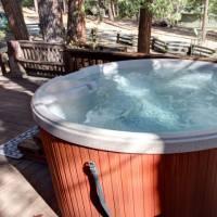 Yosemite Falls - Hot Tub on Deck