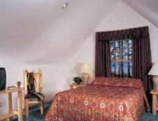 Lodge Room - Queen Bed & Sleeper Sofas