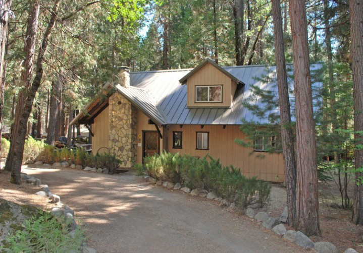 The Redwoods in Yosemite Vacation Homes on