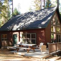 Wawona Chalet - Deck with Outdoor Furniture and Grill