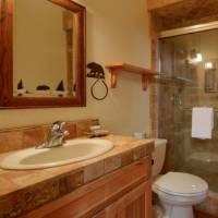 Mariposa Heights - Upstairs Bathroom