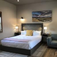 Golden Stone Inn Room