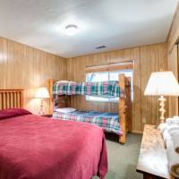 River Lodge - Bedroom 3