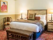 Deluxe Lodge Room