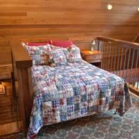 Boot's Haven - Loft Bedroom