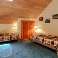 Mariposa Heights - Loft Bedroom