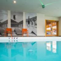 Moose Hotel & Suites Roof Top Pools