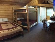 Motel Family Room 1 Queen 1 Full Size Bunk (Room 108, Room 109)