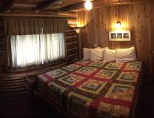 Hotel Room 1 King (Room 09, Room 10)