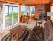 Bluff Cabin - Two Bedroom with Fireplace