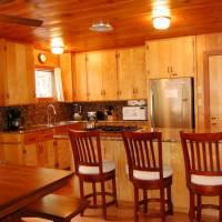 Harmony Villa - Breakfast Bar and Kitchen