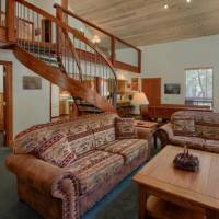 Mariposa Heights - Living Room