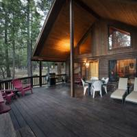 Wawona Cabin - Deck with Outdoor Furniture and Grill