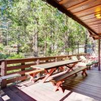 Pine Crest - Deck with Furniture and Grill