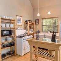Wawona Chalet - Kitchen