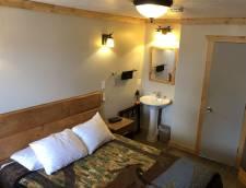 Motel Room 1 Queen (Room 104, Room 105, Room 106)