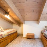 Yosemite Falls - Loft Room