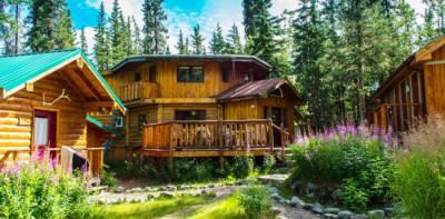 Denali Hostel & Cabins