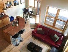 One Bedroom Townhouse + Loft (Sleeps 4)