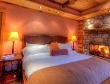 Pondside Suite