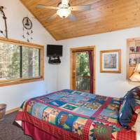 River Refuge - Upstairs Bedroom