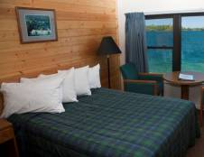 Lakeside Lodge Rooms
