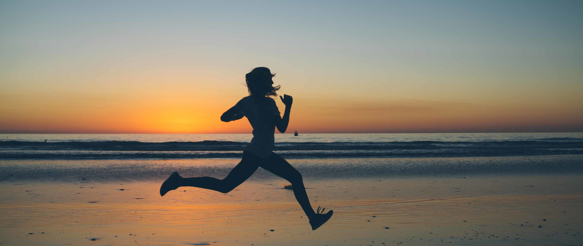 Running on the beach with Energi & AppleWatch Rocksauce Studios