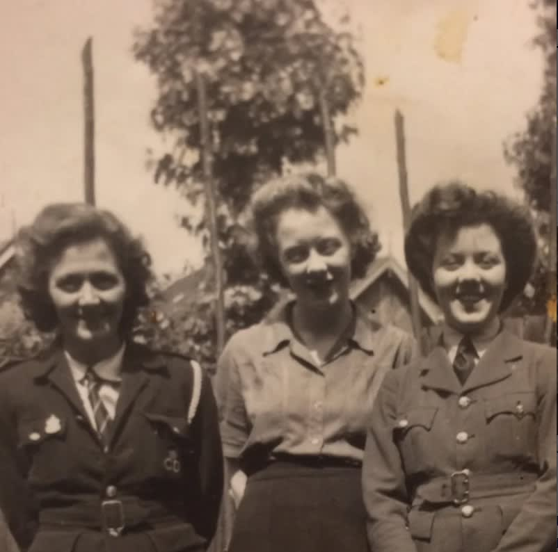 Women's Auxiliary Air Force volunteer married Australian pilot
