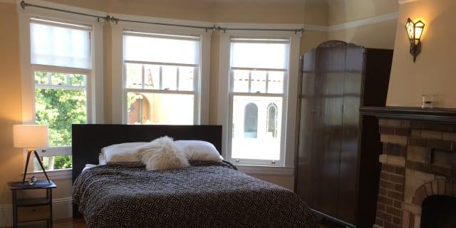 Photo of Roxanne's room