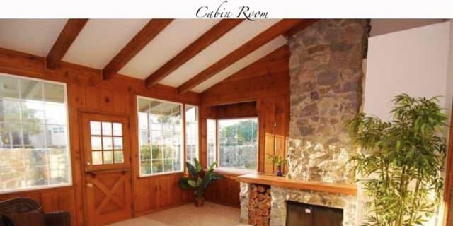Photo of Lo's room