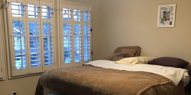 Photo of Bond's room