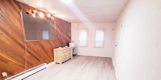 Photo of Travolta's room