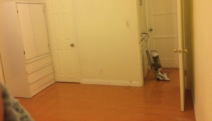 Private room to rent in share house | East Broadway, San ...
