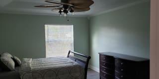 Photo of CovingtonHoldings's room