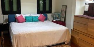 Photo of YellowBus's room