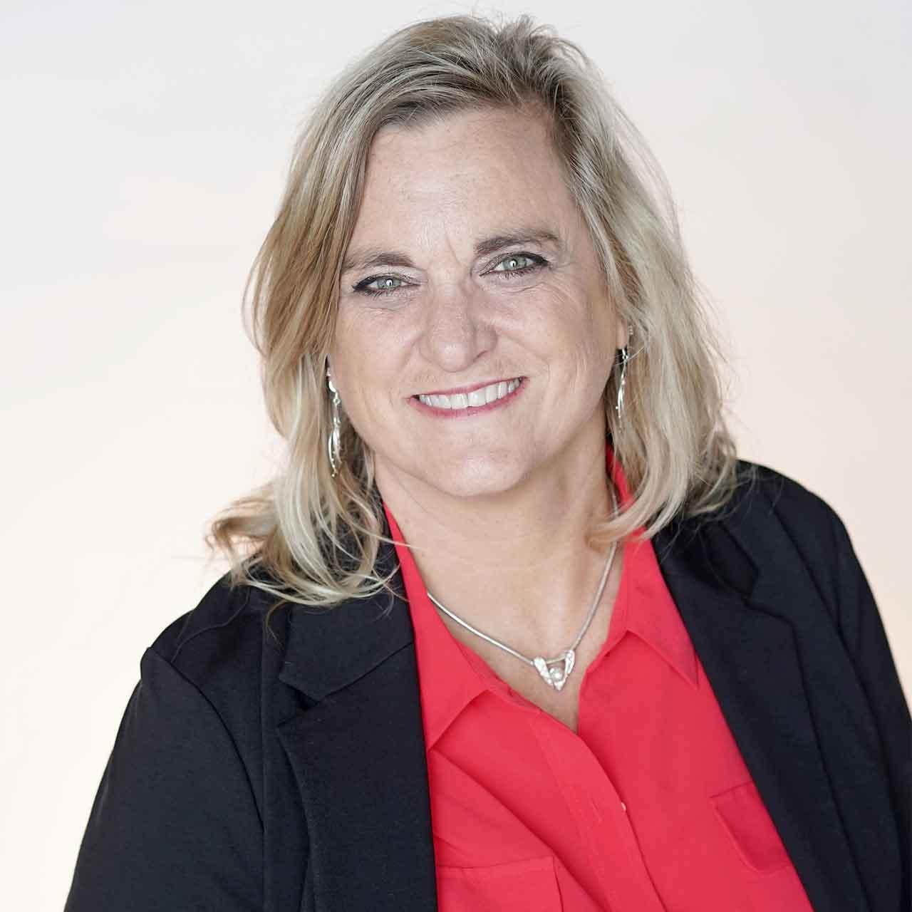 Julie Echard