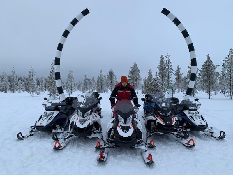 Snöskotersafari i arktiska Sverige