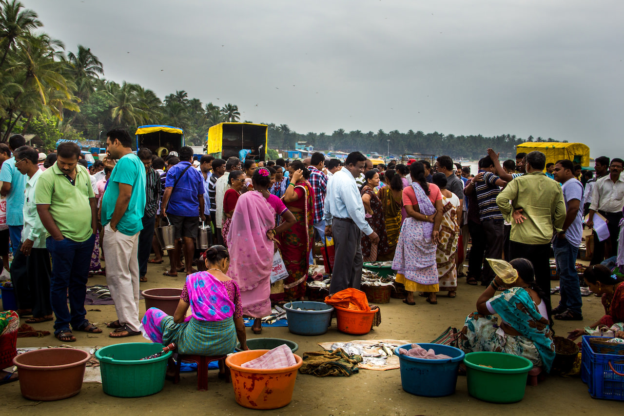 During fish auctions, Malvan beach is bustling with boats from the all over the Sindhudurg area. Fishers, customers, and traders flock around the fresh catch, each trying to get themselves the best possible deal. Photo: Snehal Jeevan Pailkar/Shutterstock